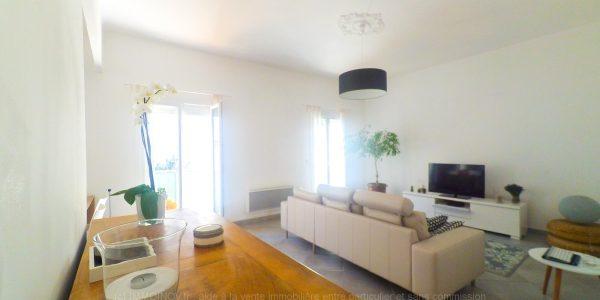 000569 - Un spacieux séjour / salon