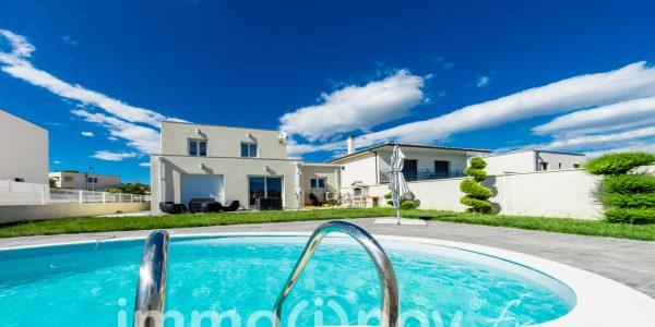 Référence 000616 : villa avec piscine