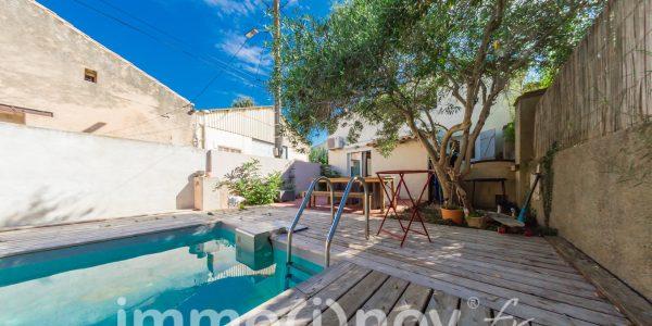 Référence 000617 : Extérieur - Terrasse jardin et piscine.